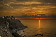 Amanecer del 17-10-2016. (Jos Francisco_(Fuen446)) Tags: amanecer amanece sunrise playa beach fuengirola benalmdena mlaga nubes clouds hdr