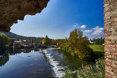 Fiume Mincio (Claudio IT) Tags: fiume mincio ponte visconteo valeggio italia italy landscape panorama sonya7m2 wideangle zeiss sel1635z veneto
