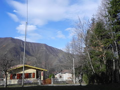 DSCN7462 (Gianluigi Roda / Photographer) Tags: apennines december lateautumn rainbows skies clouds weather trees countryhouse