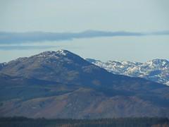 the call of distant mountains 04 (byronv2) Tags: mountain mountains hills geology scotland benlomond snow landscape sunlight sunshine sunny winter countryside rural beinnlaomainn munro trossachs nationalpark lochlomondandtrossachsnationalpark campsiehills