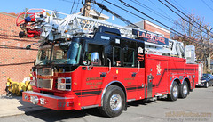 Tarrytown FD Ladder 37 (Seth Granville) Tags: tarrytown ladder 37 truck smeal sirius 105