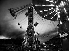 Playground (hardy-gjK) Tags: black white monochrome weiss schwarz bw carousel karusell riesenrad jahrmarkt kirchweihe festplatz weinfest