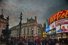 Picadilly Circus (London - Londres) (Carlos M. M.) Tags: london londres england hdr canon100d clouds nubes reinounido