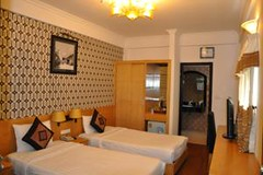 Guest Superior room01.alt (hanoitouronline) Tags: halongbaytours traveltohanoi bookflightticket sapatrekkingtours booktrainticket hanoitoursinformation halongbayonalovacruises ninhbinhecotours hanoionedaytours halongbayonedaytours vietnamhoneymoontours hanoigolftours hanoivillagestours rentthecars