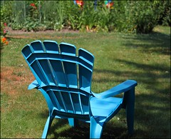 The Neighbours  Blue Chairs: Over The Fence (Sue90ca Less Flic*kr Time, More Living Life Time) Tags: blue sun hot yard canon neighbours chiars 60d 55250mm