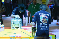 "Coupe de France de Robotique 2013 • <a style=""font-size:0.8em;"" href=""http://www.flickr.com/photos/39203065@N06/8787222500/"" target=""_blank"">View on Flickr</a>"