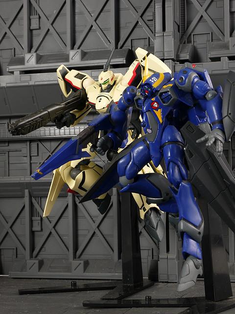 YF-19 & YF-21