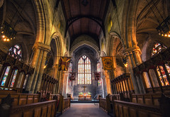 Church of the Holy Rude (Philipp Klinger Photography) Tags: stirling schottland grosbritannien sco scotland gb great britain greatbritain uk united kingdom unitedkingdom church holy rude churchoftheholyrude castle coronation altar windows stained glass stainedglass seats seat bench benches pillar pillars architecture philipp klinger nikon d800 wide angle wideangle ultrawideangle ultra ww weitwinkel wa uwa uww hdr dri flag union jack unionjack unionflag