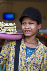 Selling Snacks 2018 (Ursula in Aus (In England)) Tags: portrait female cambodia khmer youngwoman environmentalportrait earthasia vision:people=099 vision:face=099