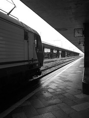 marzo-aprile 2013 RIM_Z10 #124 (train_spotting) Tags: rim trenitalia dtr romatermini tirrenica trenoregionale regionaleveloce e464174 blackberryz10 divisionetrasportoregionale traxx160dpc