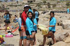 IMG_8782 (Streamer -  ) Tags: ocean sea people green beach nature students ecology up israel movement garbage sunday north group young cleanup clean teen shore bags  nonprofit streamer  initiative enviornment    ashkelon          ashqelon   volonteers      hofit