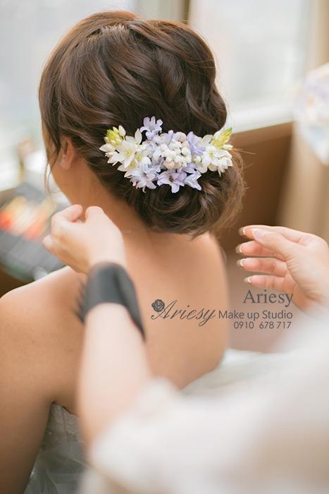 愛瑞思,Ariesy,台北新秘,新秘推薦,愛瑞思造型團隊,遠企,自然清透妝感,花藝飾品,鮮花造型,蓬鬆編髮,名媛低馬尾造型