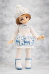 Preparing for winter :) (Maram Banu) Tags: doll bjd fairyland littlefee ante yosd outfit winter white blue deer handmade craft knit crochet fairystyle