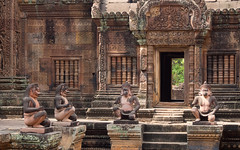 Four apes a-guarding (abbobbotho) Tags: cambodia angkorwat banteaysrei siemreapprovince kh