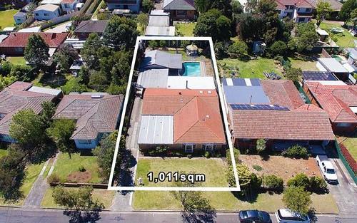 7 Suva Crescent, Greenacre NSW