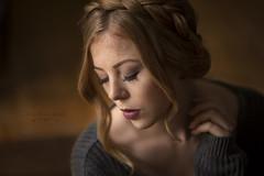 Shari (Kasu.mo) Tags: indoor portrait people portrt personen available light licht canon 85mm