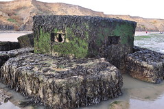 Type 22 Pillbox Walton on the Naze Essex (Richard.Crockett 64) Tags: type22 pillbox machinegunposition antiaircraft gunemplacement defence homefront homedefence ww2 worldwartwo waltononthenaze essex 2016