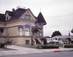 John Steinbeck's Home (Stabbur's Master) Tags: california montereycounty salinascalifornia salinas johnsteinbeck johnsteinbeckshome victorianarchitecture victorianhouse queenanne queenannestyle housemuseum