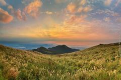 Datun Mountain, Taipei City, Taiwan (szintzhen) Tags:           taipeicity taiwan datunmountain mountain cloud sky sunset sunglow photomerge