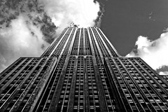 Empire State Building (Louis PERPERE) Tags: empirestatebuilding esb newyork blackandwhite noiretblanc light usa states united dxo city sky skyscraper clouds
