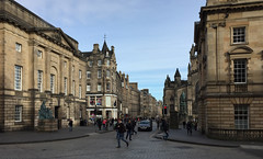 Edinburgh - the Royal Mile (Baz Richardson (now away until 27 May)) Tags: scotland edinburgh theroyalmile streetscenes cities