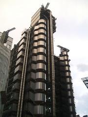 Lloyd's Building (D. S. Hałas) Tags: halas hałas unitedkingdomofgreatbritainandnorthernireland unitedkingdom uk greatbritain england middlesex london cityoflondon building architecture lloydsbuilding insideoutbuilding lloydsoflondon richardrogersandpartners skyscraper