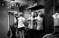 (Jack_from_Paris) Tags: l2000382bw leica m type 240 10770 leicasummicronm35mmf2asph 11879 dng mode lightroom capture nx2 rangefinder tlmtrique bw noiretblanc monochrom wide angle le touquet magasin mannequin torses sourire nu nude regards