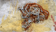 Chained (YIP2) Tags: red surface texture metal chain abstract minimal minimalism construction simple old abstractreality detail less pattern repetition rust