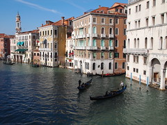 Venice view - Veduta di Venezia (SissiPrincess) Tags: venice houses windows sea buildings mare case gondola venezia soe palaces grandcanal gondolier palazzi finestre costruzioni canalgrande gondoliere palafitta mareadriatico abigfave platinumheartaward flickrestrellas 100commentgroup panoramafotogrfico flickraward absolutelyperrrfect arethesebuildings mygearandme mygearandmepremium mygearandmebronze mygearandmesilver blinkagain piledwellinghouse