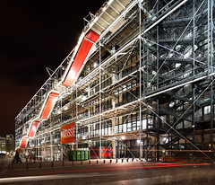 Paris Centre Pompidou (david.bank (www.david-bank.com)) Tags: city urban paris france architecture night canon tech shift richard matisse tilt renzopiano georges henri tse rogerscentre 17mm pompidouhigh
