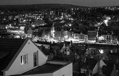 Whitby. night. IMGP8050 E bw (Paul S Harrison (Paulspix)) Tags: uk england blackandwhite night landscape lights town pentax britain yorkshire united great north kingdom whitby gb monochrom k10d paulsharrrison
