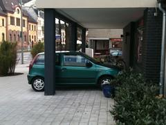 IMG_0681 (photo.graf) Tags: noparking hamburg verkehr radweg parken gehweg halteverbot strafzettel parkverbot verwarnung owi knllchen falschparker verkehrsberwachung verwarngeld stvo verkehrsbehinderung radfahrstreifen schutzstreifen ordnungswidrigkeit eingeschrnkteshalteverbot parkingforbidden strasenverkehr busgeld strasenverkehrsordnung verkehrsverstos parkraumberwachung zeichen283stvo zeichen286stvo mediablog24 rmentschke renementschke dpba photograf360 photograf radweghindernis gehwegblockierer radwegblockierer zweitereiheparker gehweghindernis tbnr102000 tbnr102100 tbnr112402 tbnr141100 zeichen237 parkenaufdembehindertenparkplatz tbnr142278 stvovorschrift absolutesparkundhalteverbot