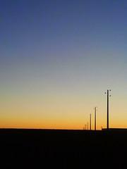 Un da ms...mismo lugar (1) postes (JotaErre) Tags: valladolid nubes torozos nubesdehoy