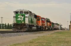 Tasty Five Pack - Grand Forks, ND (MinnKota Railfan) Tags: santa railroad green burlington train h3 north engine rail railway loco grand locomotive fe northern forks cascade dakota bnsf swoosh subdivision emd sd402 sd60m warbonnet mp15ac mp15