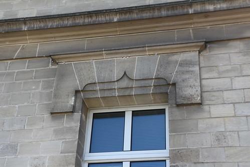 Fenêtre de la mairie de Creil