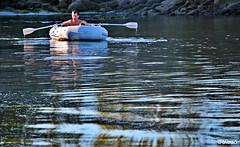 Cristopher Columbus (Franco D´Albao) Tags: francodalbao dalbao nikond60 navegante sailor cristóbalcolón mar sea remando rowing reflejos reflections aventurero adventurer agua water flotando floating descubrimiento discovery navegación navigation remos oars