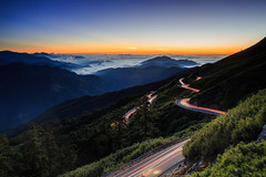 (samyaoo) Tags:    taiwan hehuanmountains hehuanshan nantou  longexposure       tree sea clouds fog mist sunset  tarokonationalpark nationalpark national park seaofclouds     galaxy star sky milkyway           trails car light