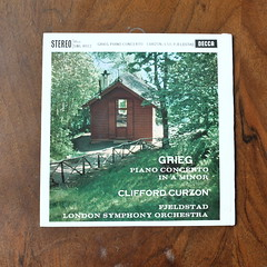 Grieg - Piano Concerto op.16 - Clifford Curzon Piano, LSO, Oivin Fjeldstad, Decca SWL 8012 ffss, 10 inch, 1962 (Piano Piano!) Tags: lp record album disc langspielplatte grommofoon plaat 12 inch art cover sleeve hulle disque vynil vinyl griegpianoconcertoop16cliffordcurzonpiano lso oivinfjeldstad deccaswl8012ffss 10inch 1962