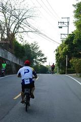 關西竹 16-1 鄉道.志明 & Kevin 上坡衝了 (nk@flickr) Tags: kevin taiwan 新竹 friend cycling 台湾 志明 20161105 台灣 guanxi hsinchu 關西 canonefm22mmf2stm