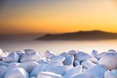 A white light breaks the incoming sunset (robertofaccenda.it) Tags: beach ciclades cicladi fujifilm grecia greece holydays imerovigli mar mare playa praia santorini sea spiaggia sunset tramonto vacanze vacation