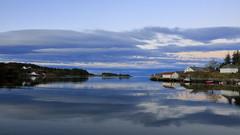 Mølstrevåg okt -16 (bjarne.stokke) Tags: mølstrevåg sveio hordaland norge norway norwegen høst naust skyer speiling