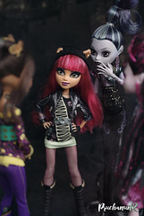 I wish my sister would just disappear! (PruchanunR.) Tags: doll mattel monster high
