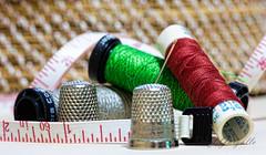 Cosas de coser (J.Gargallo) Tags: hilo aguja dedal costura coser costurero macro macrofotografa castelln comunidadvalenciana espaa canon canon450d eos eos450d 450d tokina tokina100mmf28atxprod