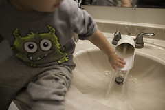 191/365 (J. Lee Syn) Tags: griswolds365 365 threesixtyfive jleesyn childhoodunplugged clickinmoms realmomtogs momtog letthekids letthembelittle dearphotographer stillaboy