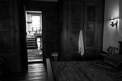 Indoor Ottoman style, Turquey (mafate69) Tags: asia asie turkey turquie indoor intrieur nb noiretblanc mafate69 blackandwhyte bw documentaire documentary reportage ottoman turc room photojournalisme photoreportage photojournalism safranbolu