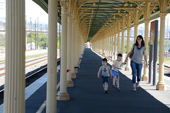 Mum and the boys (PhotosbyDi) Tags: people candid woman children boys kids alburyrailwaystation walkway perspective vanishingpoint nikond600 nikonf355628300mmlens platform railwayplatform