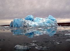 "Pretty iceberg in the early morning • <a style=""font-size:0.8em;"" href=""http://www.flickr.com/photos/16564562@N02/6950806574/"" target=""_blank"">View on Flickr</a>"
