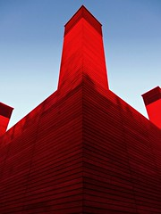 Red King (KitsuneBlanc) Tags: blue red colour london architecture structure southbank popup theshed