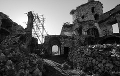 Il castello (vlaf2) Tags: b panorama art blackwhite pentax p