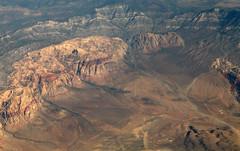 2013_08_23_lax-bos_163 (dsearls) Tags: redrockcanyon red brown flying view desert aviation united nevada gray aerial geology redrock ual arid unitedairlines windowseat windowshot eastbound bonanzakingformation aztecsandstone laxbos 20130823